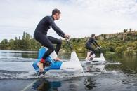 물 위 달리는 수상 자전거 '하이드로포일러 XE-1'
