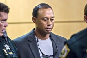 타이거 우즈, 운전석에서 자다가 체포…벌금 28만원, 사회봉사 50시간
