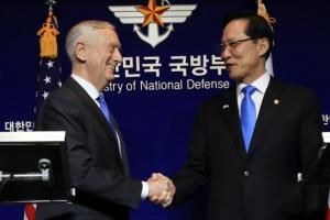 한국에 또 온 '전쟁개시자', 한미 국방장관에 질문했지만