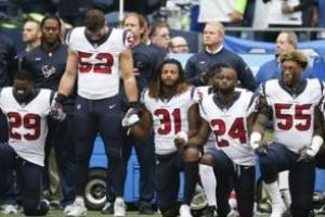 파파존스 창업자, 무릎꿇기 시위 해결 못하는 NFL 무능에 불평