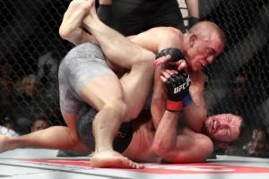 [포토] 'UFC 복귀' 생피에르, 비스핑 잡고 챔피언 벨트 차지