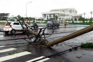 APEC 앞둔 베트남 태풍 강타…40여명 사상·3만 5000명 대피