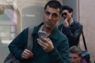 삼성전자, 아이폰 조롱하는 광고 선보여
