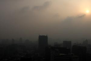 [포토] 중국발 황사 습격… 미세먼지로 뒤덮인 도심
