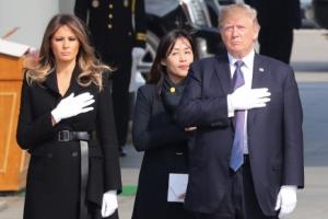[서울포토] 현충원 참배하는 트럼프 대통령 내외