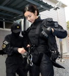 군대에 나타난 '미녀 전사…
