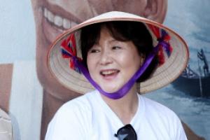 [포토] 베트남 전통모자 '넝라' 쓴 김정숙 여사