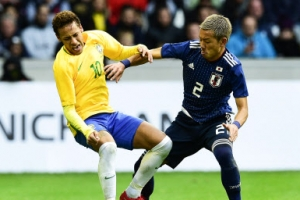 일본 축구, 브라질과 평가전에서 1-3 완패