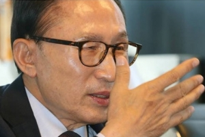 """신동욱, 이명박 전 대통령 발언에 """"다스는 틀린 꼴…정치보복 100% 맞는 꼴"""""""