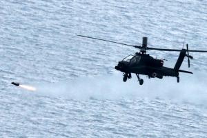 아파치헬기, 실전배치후 '헬파이어' 첫사격…모두 표적 명중
