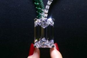 경매사상 최대 163캐럿 다이아몬드 378억원에 팔려