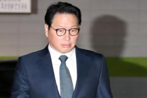 [포토] '오전엔 추도식 오후엔 가정법원' 최태원 회장, 착잡한 발걸음