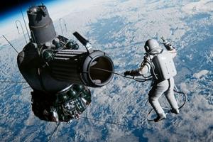 인류 최초 우주 유영 성공한 사나이…'스페이스 워커' 예고편