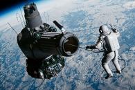 인류 최초 우주 유영 성공한 사나이…'스페이스 워커…