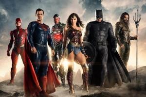 혼자서는 세상을 구할 수 없기에… 배트맨, 슈퍼맨, 원더우먼이 뭉쳤다