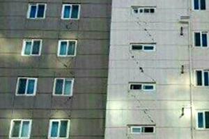 """[포항 5.4 지진] 아파트 균열, 학교 외벽 와르르… """"경주 때보다 훨씬 더 흔들"""""""