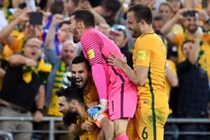 예디낙 해트트릭… 호주, 월드컵 진출