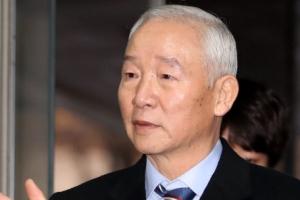 """'특활비 의혹' 남재준 """"靑이 요구해 돈 전달…먼저 상납 아냐"""""""