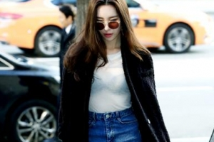 [포토] 선미, 영하 날씨에도 과감한 시스루 패션