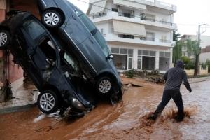 그리스 홍수 최소 15명 숨져