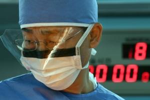 JSA 귀순병사 수술한 이국종 교수, 의사로서 치명적 약점
