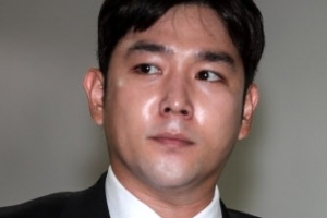 """경찰 """"강인 여친 폭행 신고지는 논현동 룸살롱"""""""