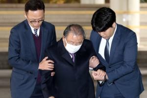 효성 4년 새 3번 압수수색…수사 자초한 '형제의 난'