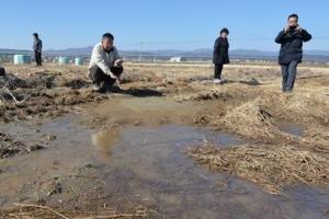 포항 진앙 부근서 길이 10m 모래 진흙 분출구 발견...액상화 현상