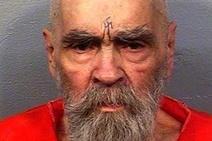 희대의 살인마 찰스 맨슨, 종신형 중 83세로 사망