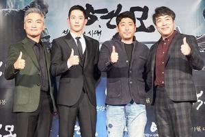 영화판 두 김홍선의 맞짱…사극 액션 vs 범죄 스릴러