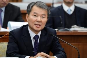[서울포토] 인사청문회서 답변하는 이진성 헌법재판소장 후보자