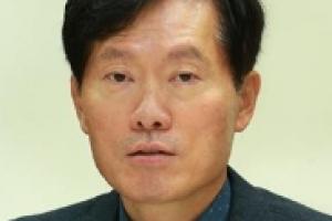 """[자치광장] """"잘 생겼다!"""" 내일연구소 서울/유연식 서울시 시민소통기획관"""