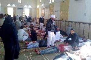 """이집트 테러 사망자, 305명으로 늘어…""""테러범, IS 깃발 소지"""""""