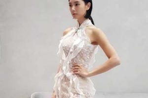[포토] 클라라, 밀착 시스루 드레스에 드러난 S라인 명품 몸매