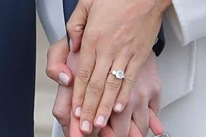 해리왕자 청혼반지, 다이애나 다이아몬드로 직접 디자인