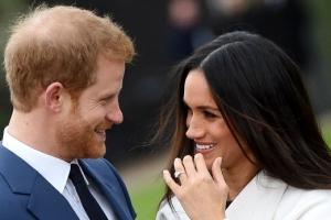 """[포토] """"우리 약혼했어요""""… 英 해리왕자♥ 마클, 내년 봄 결혼"""