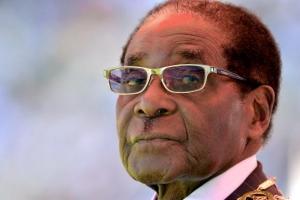 국경일 된 '쫓겨난 독재자' 무가베 생일