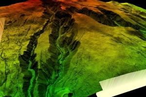 한라산 8000년 전 화산활동 끝...900년부터 물 고여