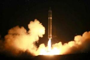 신형ICBM 화성-15형, 워싱턴 타격 가능