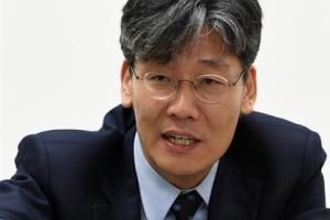 [시론] '교육 촛불'이 필요하다/김윤철 경희대 후마니타스 칼리지 교수