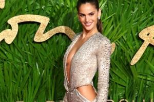 [포토] '섹시 굴곡' 브라질 모델 이자벨 굴라르