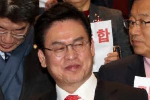 """정우택 """"민주-국민의당, 예산 이면거래…제가 순진했다"""""""