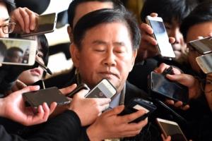 [속보] 검찰, '국정원 특활비 1억원 수수 의혹' 최경환 구속영장 청구