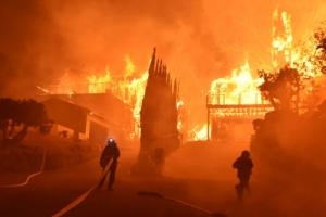 캘리포니아 또 통제불능 산불…2만 7000여명 대피
