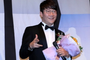 '시상식 주인공' 양현종, 은퇴 선수가 꼽은 2017년 최고 선수