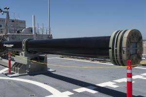 美 미래형 무기 '전자포' 개발 좌초되나