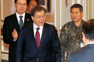 [서울포토] 문재인 대통령, 전군 주요지휘관 격려 오찬 참석