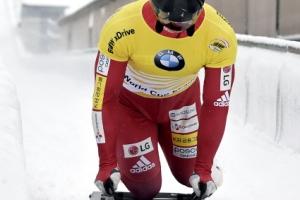 스켈레톤 윤성빈, 월드컵 3연속 金…또 두쿠르스 제쳤다