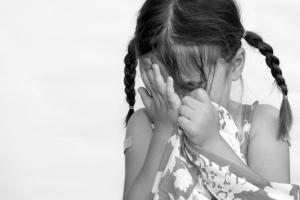 """""""친밀감 표시였는데"""" 초등생 성추행 편의점업주 징역형"""