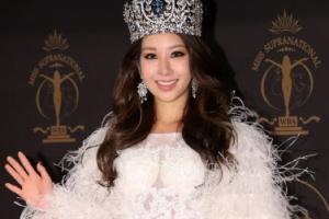 [포토] '미스 슈프라 내셔널 우승' 김제니…겨울여왕 같은 순백의 모습